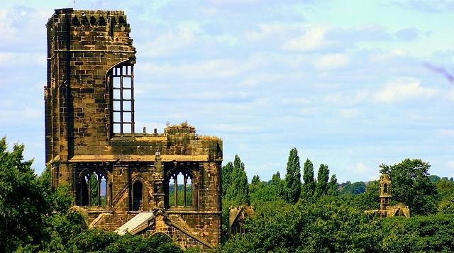 kirkstall abbey ruins