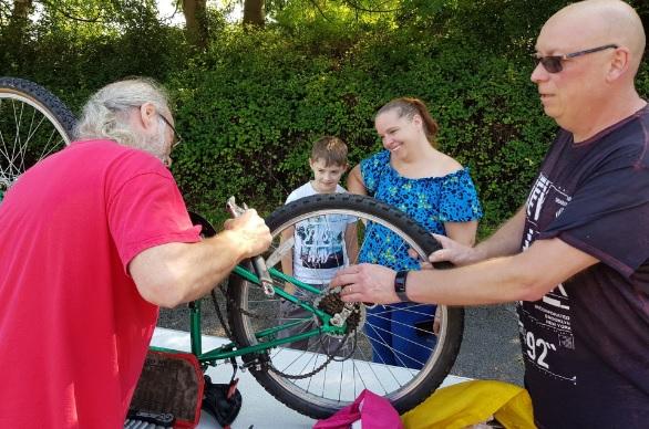 swinnow community centre bikes2
