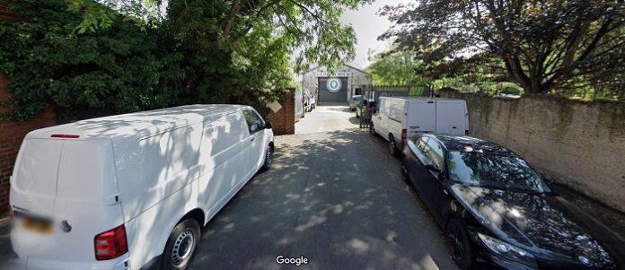 salisbury house armley