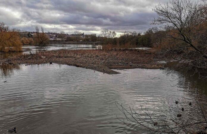farnley-reservoir-3