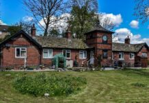 farnley memorial cottages