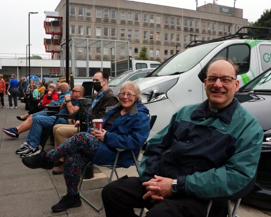 bramley-shopping-centre-seats-6