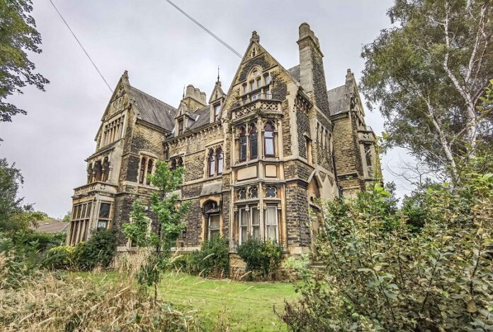 The Towers Meanwood-002